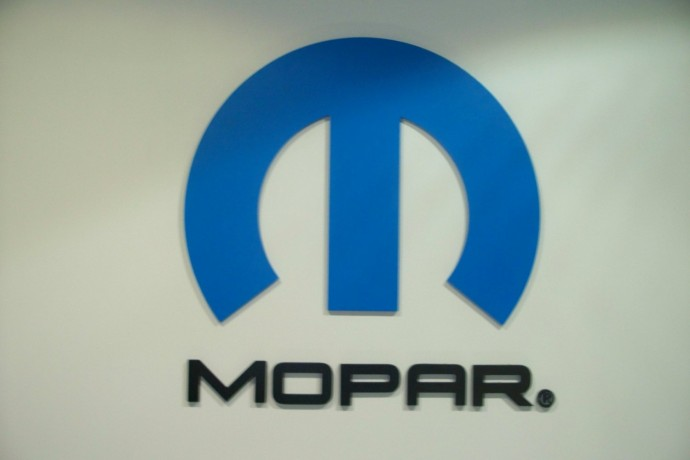 * REPUESTOS GENUINOS CHRYSLER * JEEP * MOPAR **