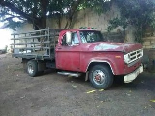 VendoCamion Dodge 350 Año 70